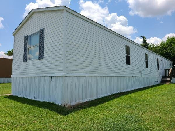 2004 FLEETWOOD Mobile Home For Sale