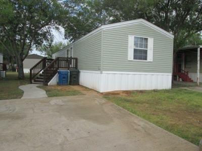 Mobile Home at 272 W Lawson Rd, Lot #196 Lot 2196 Dallas, TX 75253