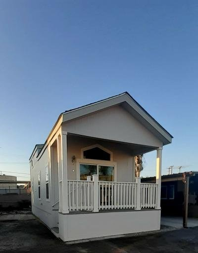 Mobile Home at 1352 S Vermont Ave Gardena, CA 90247