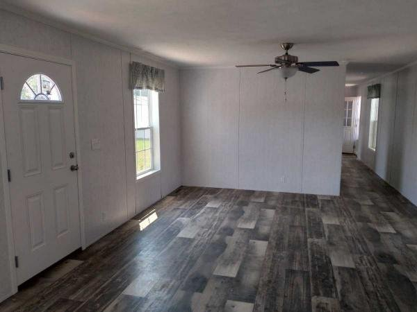Photo 1 of 2 of home located at 1976 Northeast Ave. Lot 214 Vineland, NJ 08360