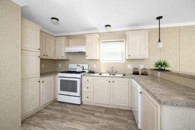 Mobile Home at 29668 Cambridge Chesterfield, MI 48051