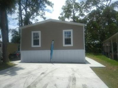Mobile Home at 12130 Us Highway 41 South Lot 14 Gibsonton, FL 33534