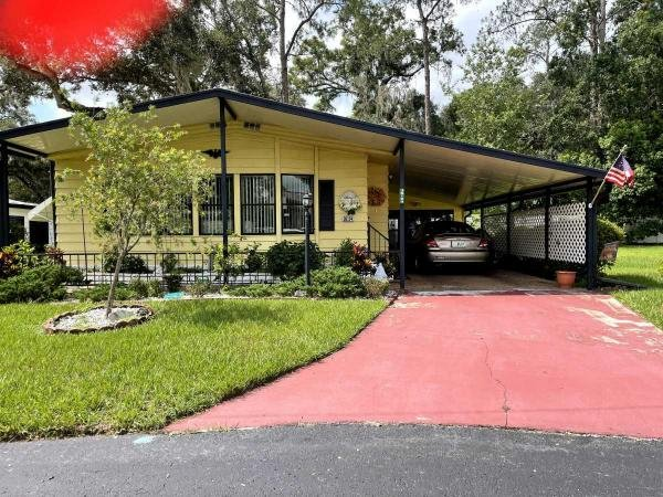 Photo 1 of 2 of home located at 36124 Chickadee Zephyrhills, FL 33541