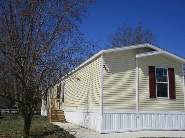 2011 Clayton-Crest Homes - Middlebury Mobile Home For Sale