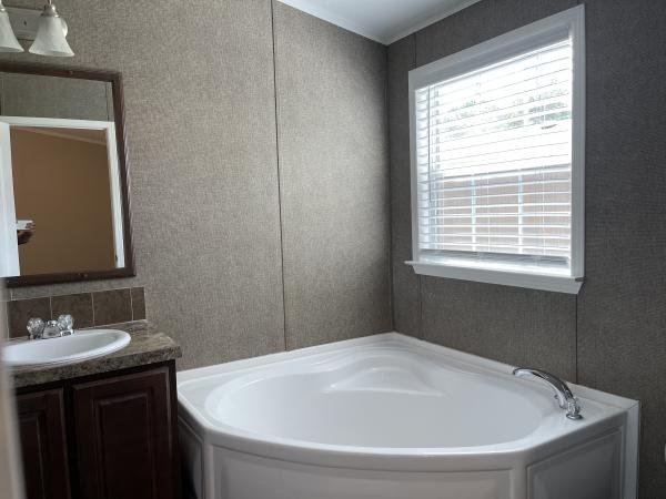 2014 PALM HARBOR HOMES Mobile Home For Sale