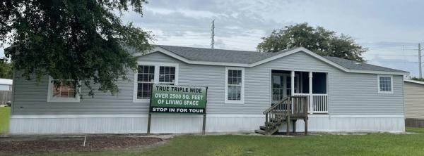 Photo 1 of 2 of home located at 35162 State Road 54W Zephyrhills, FL 33541