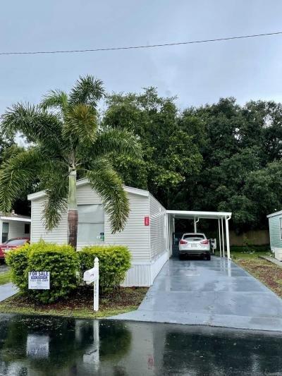 Mobile Home at 13074 Seasons Blvd. Tampa, FL 33613