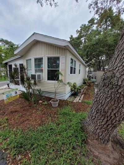 Mobile Home at 10562 70th Ave No Seminole, FL 33772