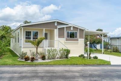 Mobile Home at 449 Rio Grande Edgewater, FL 32141