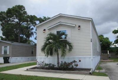 Mobile Home at 19 N Eric Circle Lake Worth, FL 33463