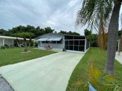 Photo 3 of 22 of home located at 4244 Pittenger Drive Sarasota, FL 34234