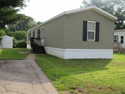 Mobile Home at 1074 Oakbrook East Jackson, MI 49201