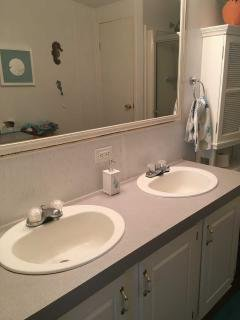 Photo 2 of 8 of home located at 615 Sunset Cir Frostproof, FL 33843