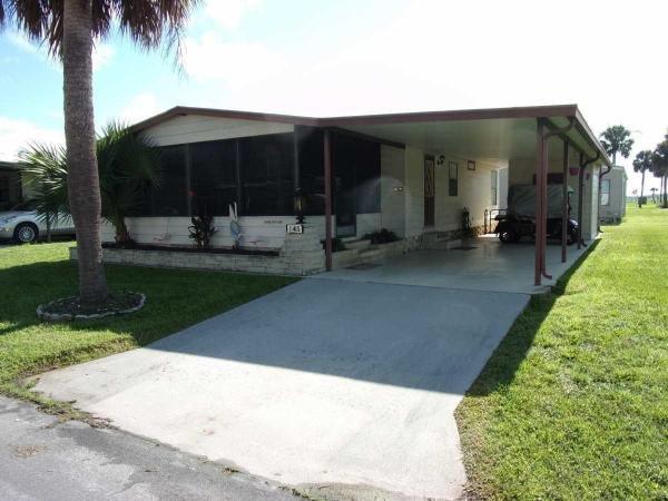 Photo 1 of 2 of home located at 145 Buena Vista Dr. Arcadia, FL 34266