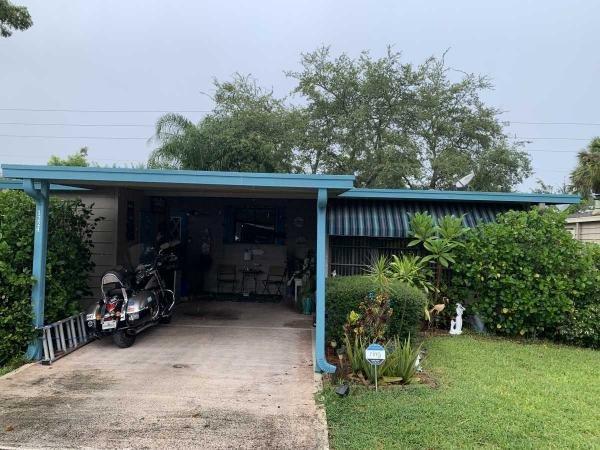 Photo 1 of 2 of home located at 1224 La Paloma Drive Port Orange, FL 32129