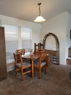 Photo 3 of 6 of home located at 716 Fawn Trail SE Albuquerque, NM 87123