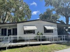 Photo 2 of 13 of home located at 3283 Bay Oaks Drive Sarasota, FL 34234