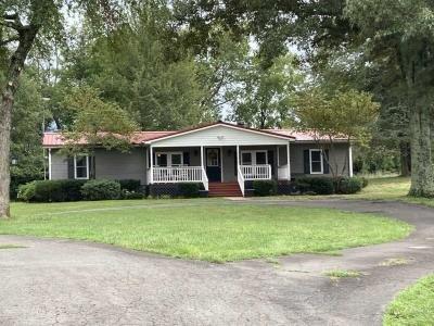 Mobile Home at 22303 Zachary Taylor Hwy Culpeper, VA 22701