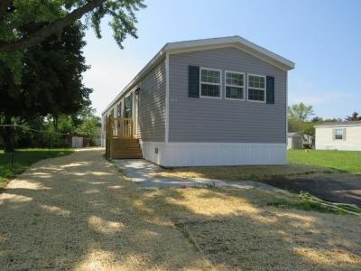Mobile Home at 1141 Oakbrook East Jackson, MI 49201