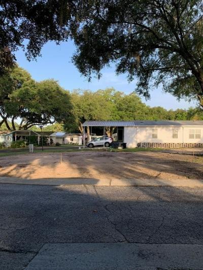Mobile Home at 15413 Lakeshore Villa Circle Tampa, FL 33613