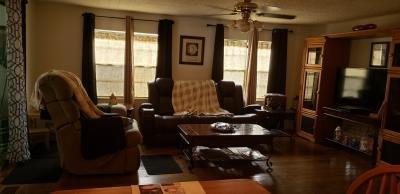 Mobile Home at 15426 Lakeshore Villa St Tampa, FL 33613
