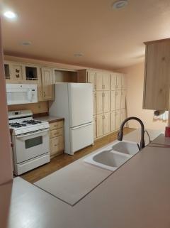 Photo 5 of 14 of home located at 2350 Adobe Road Lot #149 Bullhead City, AZ 86442