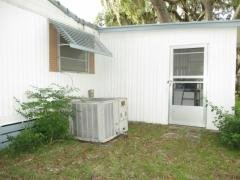 Photo 4 of 20 of home located at 2611 Holly Pl. Leesburg, FL 34748