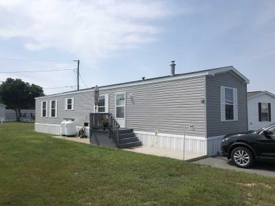 Mobile Home at 14 Circus Place, Linnhaven Mhp Brunswick Maine. 04011 Brunswick, ME 04011