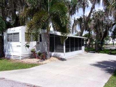 Mobile Home at 305 Winnebago Fort Myers Beach, FL 33931