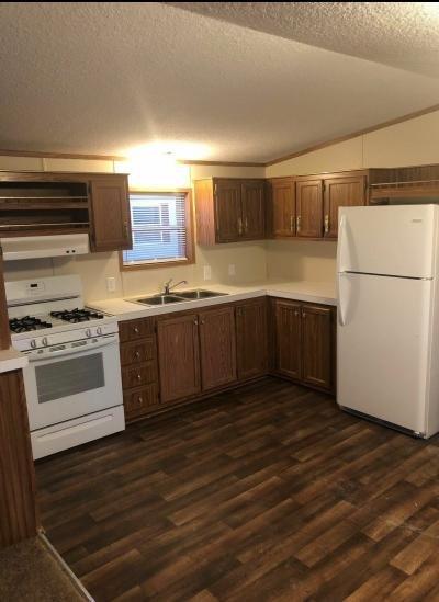 Mobile Home at 39275 Harbor Lot 108 New Boston, MI 48164