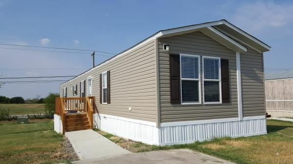 2014 CMH MANUFACTURING INC Mobile Home For Sale