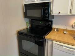 Photo 4 of 20 of home located at 13136 Grape Avenue Grand Island, FL 32735
