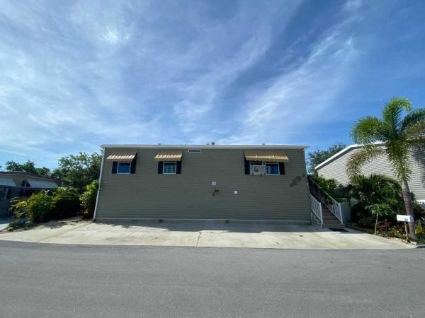 Photo 1 of 2 of home located at 1375 Pasadena Avenue South, Lot 334 South Pasadena, FL 33707
