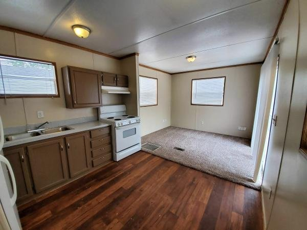 2006  Mobile Home For Sale