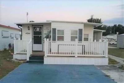 Mobile Home at 37526 Kells Lane, Lot 122 Zephyrhills, FL 33541
