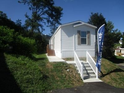 Mobile Home at 16 Winchester Court Imperial, PA 15126