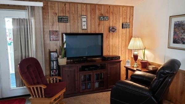 1984 NEW MOON Mobile Home For Sale