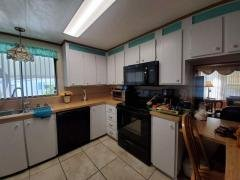 Photo 5 of 8 of home located at 5200 28th Street North, #604 Saint Petersburg, FL 33714