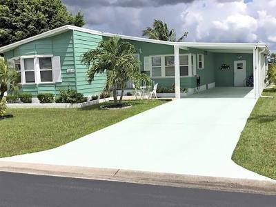 Mobile Home at 26361 Williamsburg Dr Bonita Springs, FL 34135