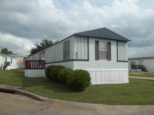 1998 OAKWOOD Mobile Home For Rent