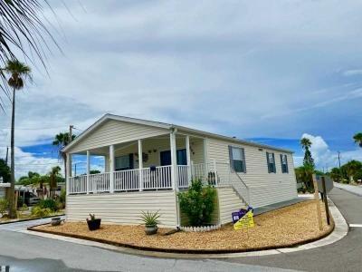 Mobile Home at 1375 Pasadena Avenue South, Lot 204 South Pasadena, FL 33707