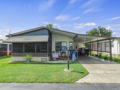 Mobile Home at 106 Vilage Court Winter Haven, FL 33884