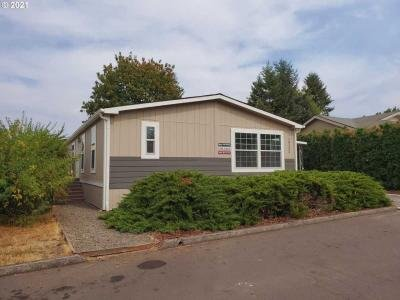 Mobile Home at 18232 S Treetop Dr Oregon City, OR 97045