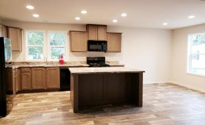 Mobile Home at 10450 6 Mile Rd Lot46 Battle Creek, MI 49014