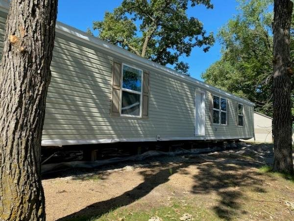 2021 Champion - Topeka Mobile Home For Rent