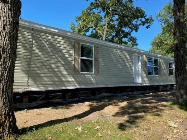 2022 Champion - Topeka Mobile Home For Rent