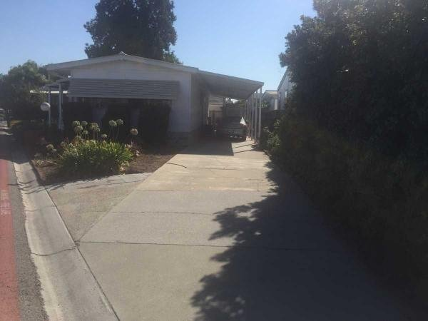 1976 Lakewood Mobile Home For Sale