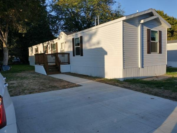 Photo 1 of 2 of home located at 5309 Hwy 75 N #281 Sioux City, IA 51108