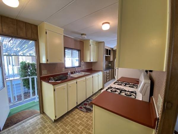 1977 Van Dyke Mobile Home For Sale