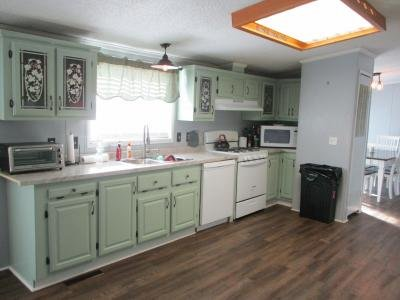 Mobile Home at 23387 Crystal Dr Clinton Township, MI 48036